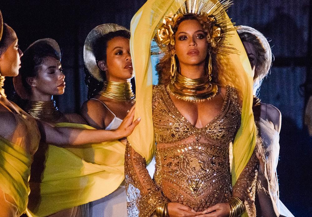 Beyonce-Grammy-Awards-2017-Performance-1.jpg
